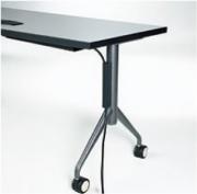 Système d'acheminement des câbles sur la jambe de la table